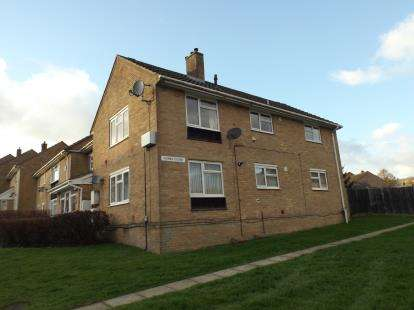 2 Bedrooms Flat for sale in Tidworth, Wiltshire