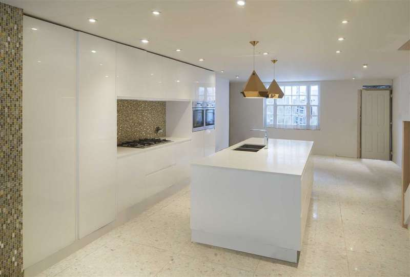 5 Bedrooms House for sale in Albert Street, London, NW1