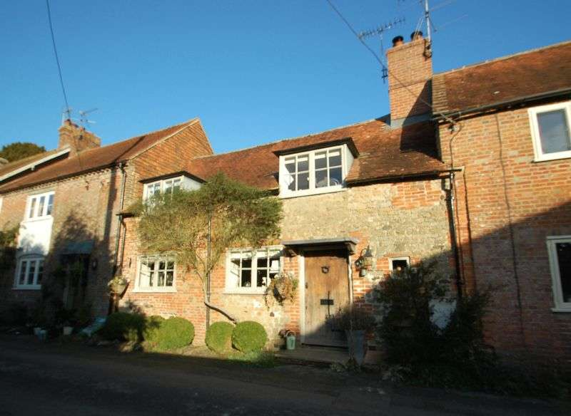 2 Bedrooms House for sale in Church Street, West Liss, Hampshire.