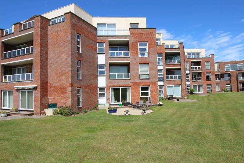 3 Bedrooms Ground Flat for sale in Pless Road, Milford On Sea, LYMINGTON