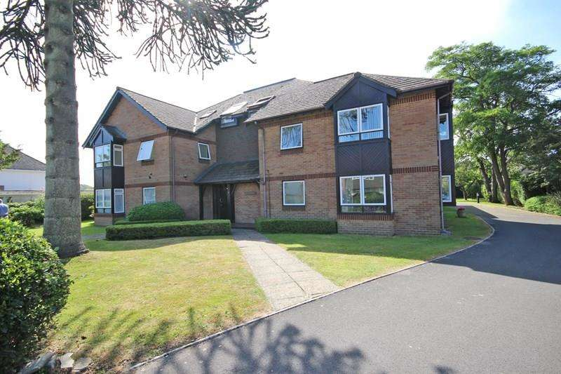 2 Bedrooms Apartment Flat for sale in Wortley Road, Highcliffe, Christchurch