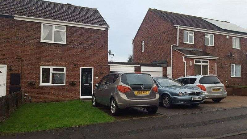 2 Bedrooms Semi Detached House for sale in Gimson Close, Tuffley, Gloucester