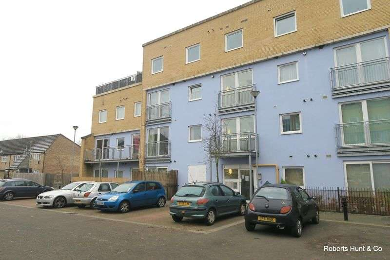 1 Bedroom Flat for sale in BEDFONT LAKES