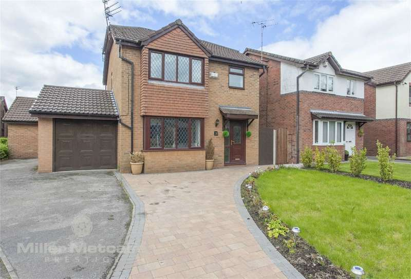 4 Bedrooms Detached House for sale in Hindburn Drive, Worsley, Manchester