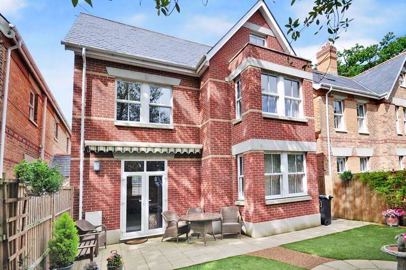 4 Bedrooms Detached House for sale in Lower Parkstone, Poole BH14