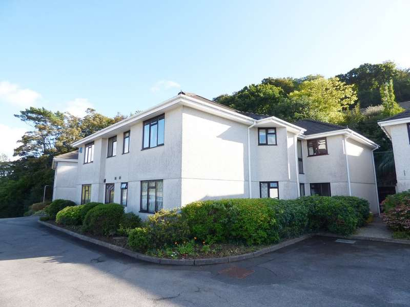 2 Bedrooms Ground Flat for sale in Woodside Court, Plympton