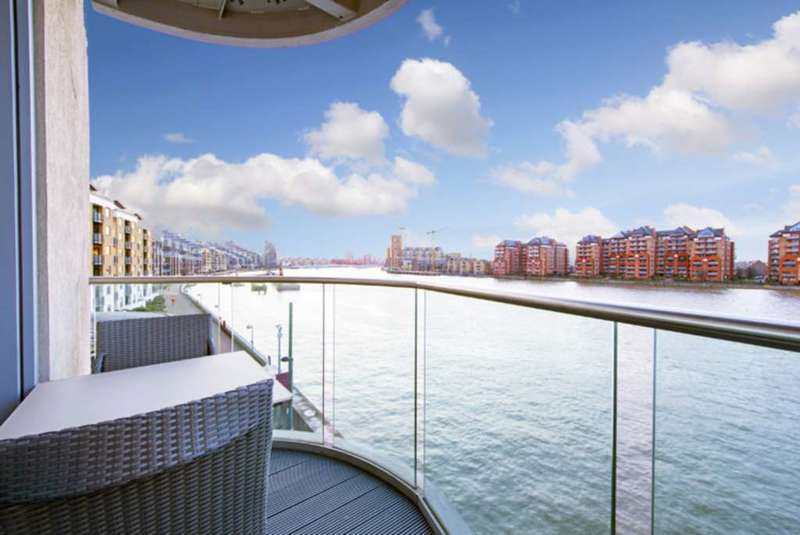 2 Bedrooms Apartment Flat for sale in Vicentia Court, Battersea, SW11