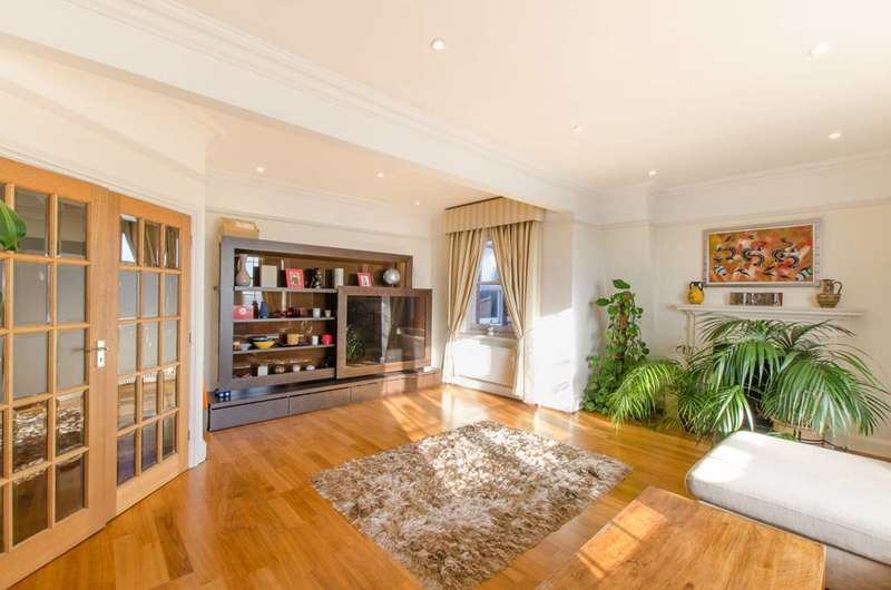 3 Bedrooms Flat for sale in Church Row, Hampstead, NW3