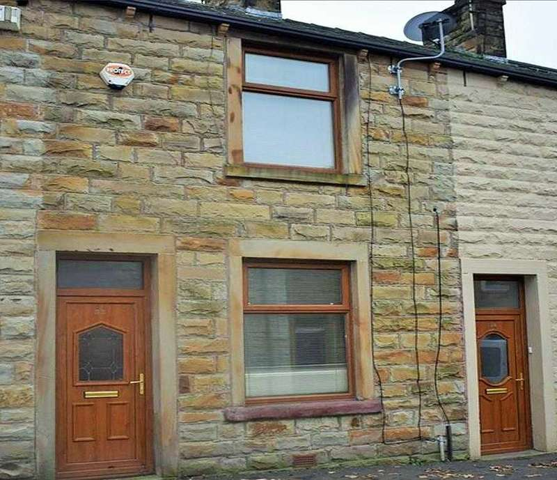 3 Bedrooms Terraced House for sale in Scott Street, Burnley