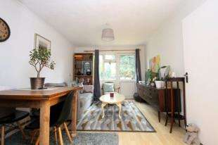 1 Bedroom Maisonette Flat for sale in Densole Close, Beckenham, 13 Densole Close