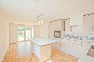 3 Bedrooms Semi Detached House for sale in St. Stephens Road, Canterbury, Kent
