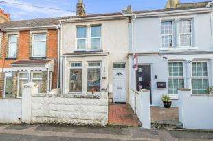 2 Bedrooms Terraced House for sale in Beresford Road, Gillingham, Kent