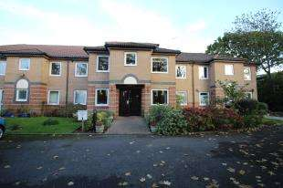 2 Bedrooms Flat for sale in The Maples, Victoria Drive, Bognor Regis, West Sussex