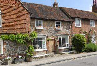 2 Bedrooms Terraced House for sale in Church Street, Steyning, West Sussex