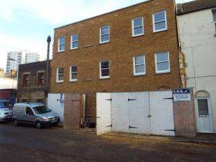2 Bedrooms Flat for sale in Turner Street, Ramsgate