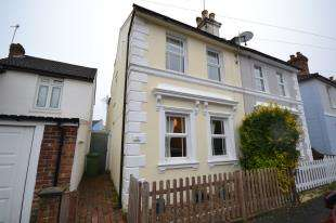 3 Bedrooms Semi Detached House for sale in Standen Street, Tunbridge Wells, Kent