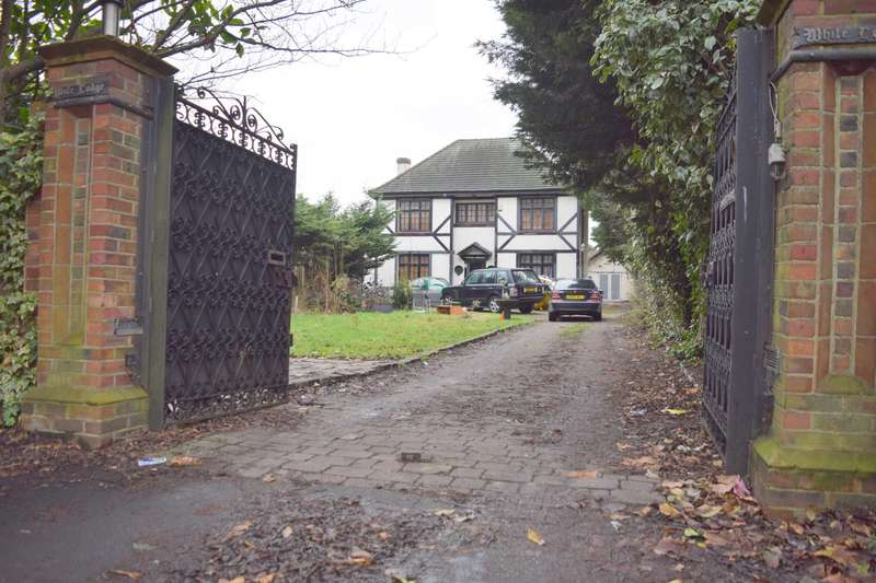 4 Bedrooms House for sale in Main Road, Gidea Park
