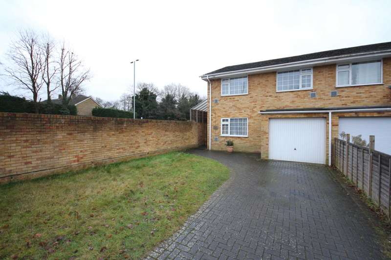 4 Bedrooms Semi Detached House for sale in Glebewood, Bracknell
