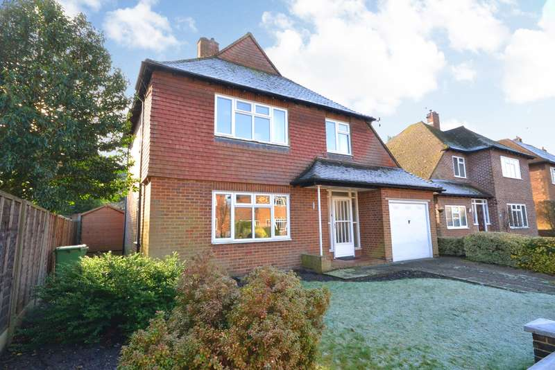 3 Bedrooms Detached House for sale in Pyrford