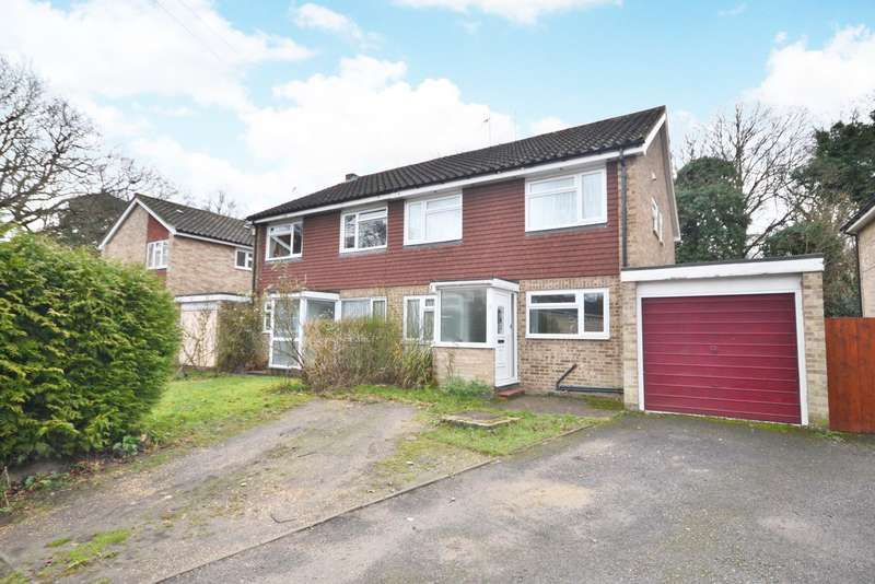 4 Bedrooms Semi Detached House for sale in Horsell