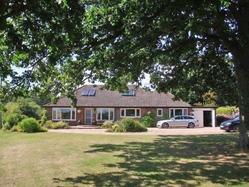 4 Bedrooms Property for sale in West Wellow