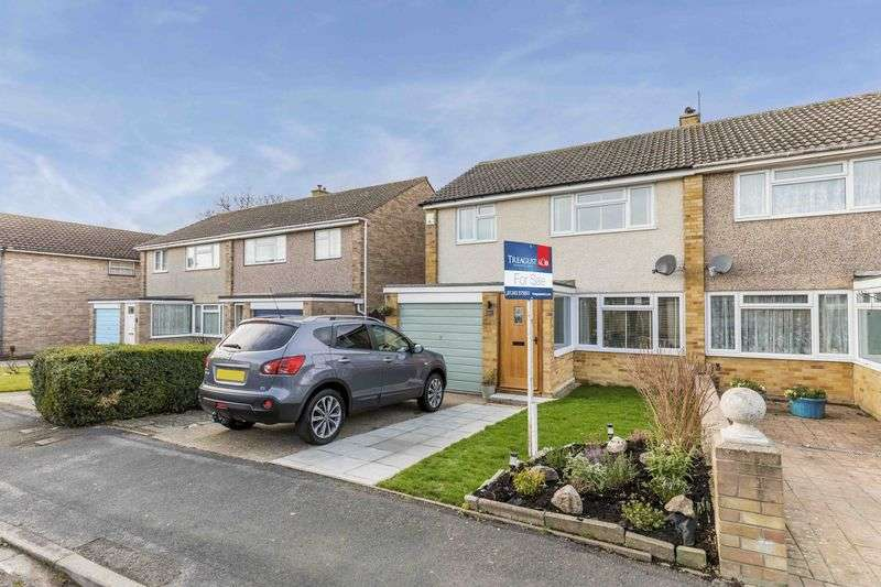 3 Bedrooms Semi Detached House for sale in Luard Court, Warblington, Havant
