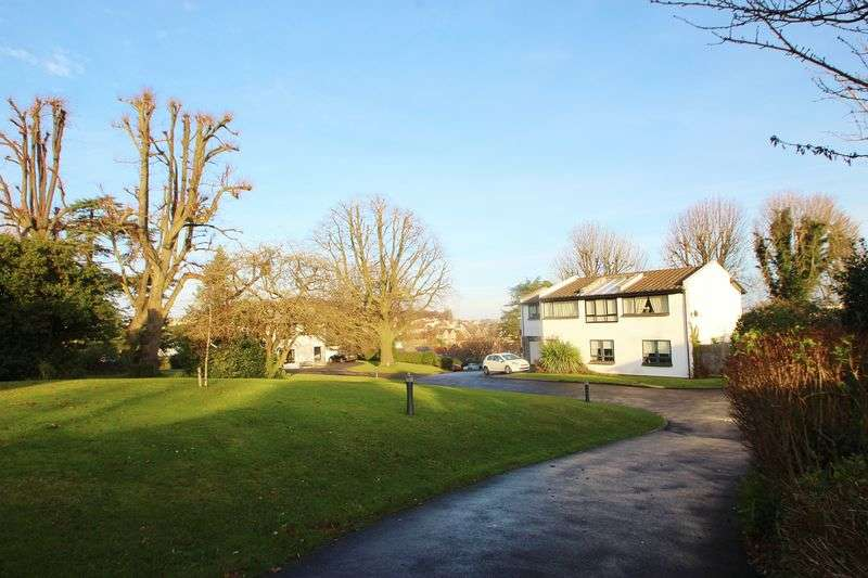 4 Bedrooms Detached House for sale in White Lodge Park, Portishead