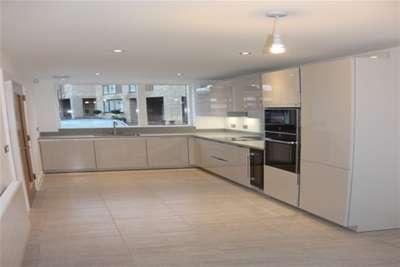 3 Bedrooms Property for rent in Chorlton Villas, Chorlton