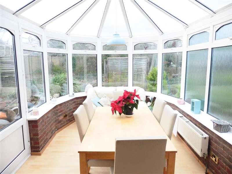 3 Bedrooms Bungalow for sale in Lewes Road, Polegate, East Sussex