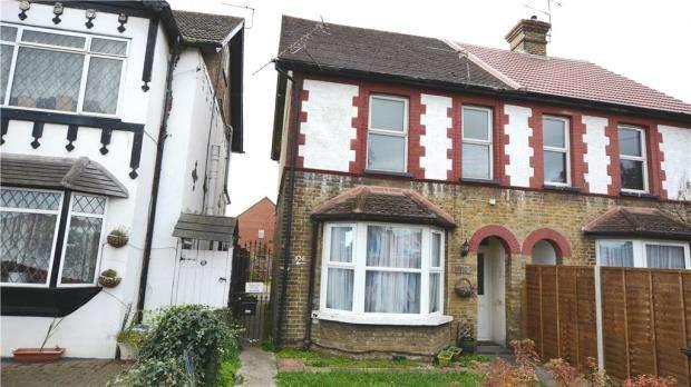 1 Bedroom Maisonette Flat for sale in London Road, Slough, Berkshire