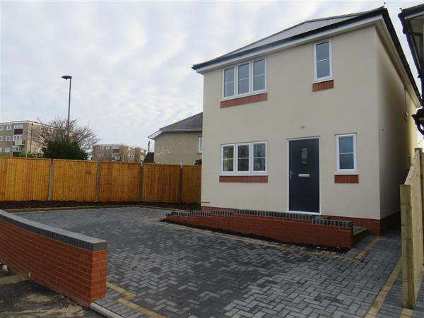3 Bedrooms Detached House for sale in Butts Road, Southampton