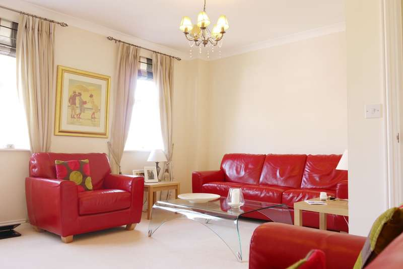 4 Bedrooms Town House for sale in Burdock Court, Maidstone, ME16