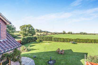 5 Bedrooms Detached House for sale in Welbury, Northallerton, North Yorkshire