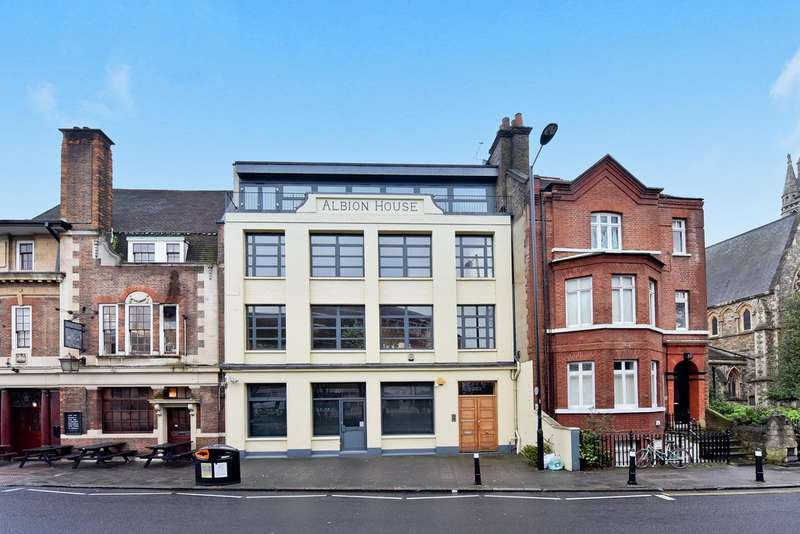 2 Bedrooms Flat for sale in Stoke Newington Church Street N16 9ES