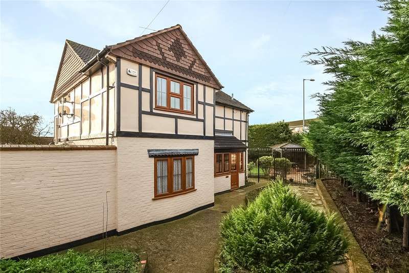 4 Bedrooms Detached House for sale in Burghfield Road, Reading, Berkshire, RG30