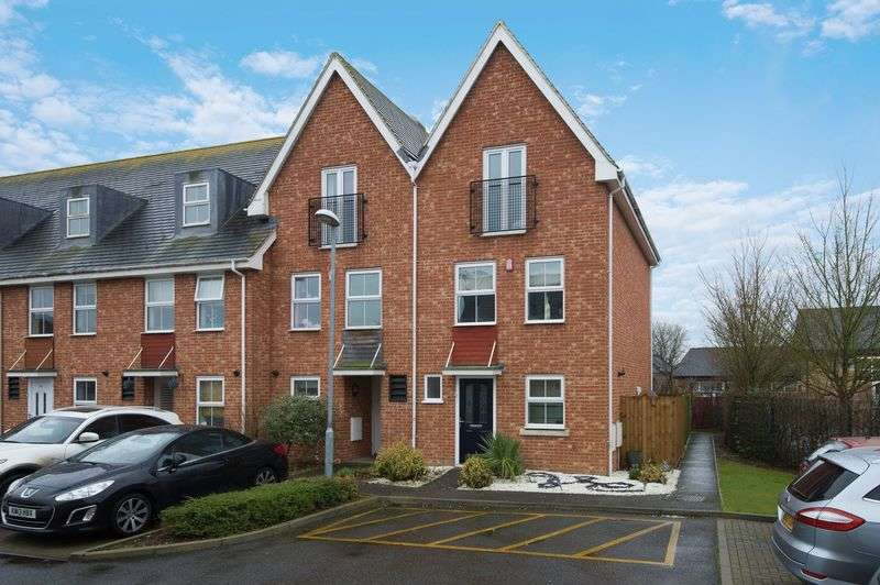 4 Bedrooms Terraced House for sale in Bushmead Road, St Neots