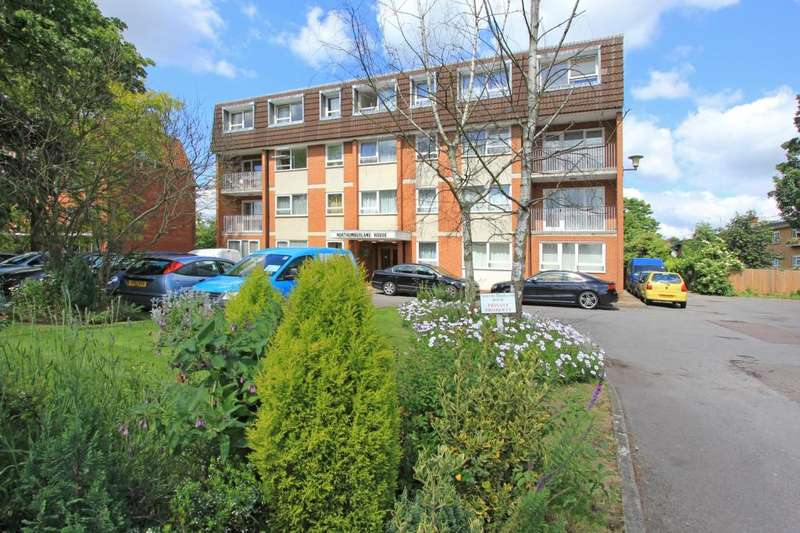 2 Bedrooms Flat for sale in Northumberland House, Ballards Lane, Finchley, London, N3