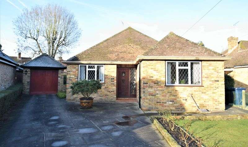 3 Bedrooms Detached Bungalow for sale in Ninnings Way, Chalfont St Peter
