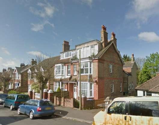 2 Bedrooms Apartment Flat for sale in Highfield Road, Bognor Regis, West Sussex, PO22 8BQ