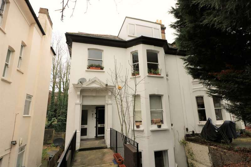 2 Bedrooms Apartment Flat for sale in Victoria Crescent, Crystal Palace