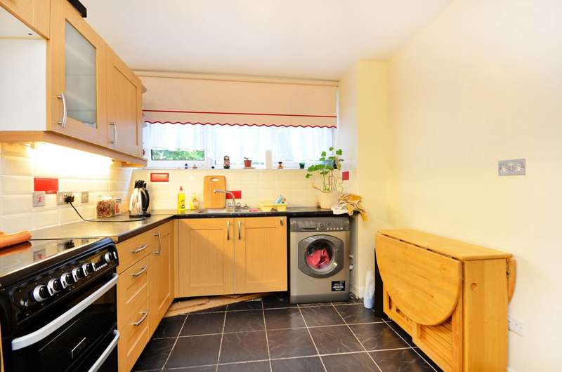 3 Bedrooms Maisonette Flat for sale in Humber Road, Blackheath, SE3