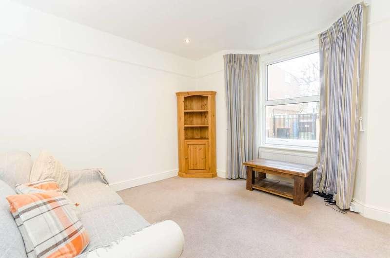 1 Bedroom Flat for sale in Estcourt Road, Fulham Broadway, SW6