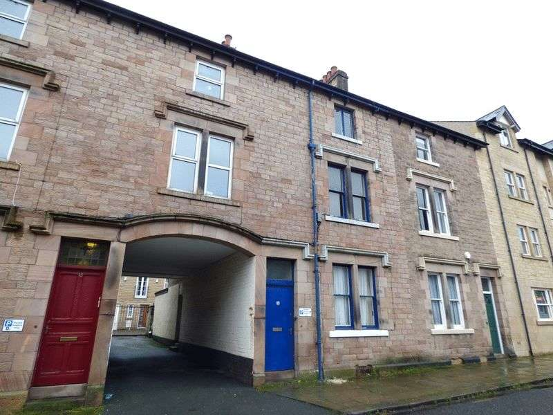 3 Bedrooms Flat for sale in Queen Street, Lancaster