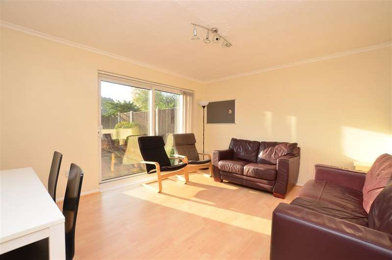 3 Bedrooms End Of Terrace House for sale in Sturry Road, Canterbury, Kent