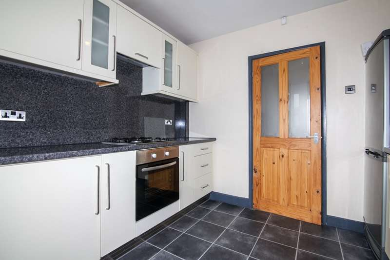 3 Bedrooms Semi Detached House for sale in West Ave, Manchester, Greater Manchester, M40