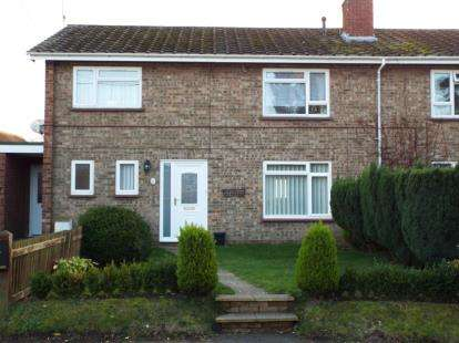 2 Bedrooms Flat for sale in Newton St. Faith, Norwich, Norfolk