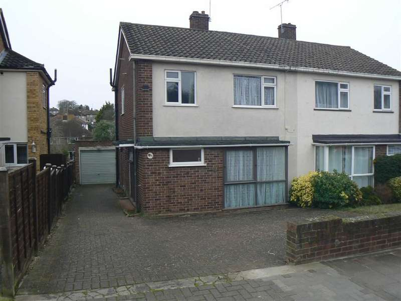 3 Bedrooms Property for sale in Roseberry Gardens, Orpington