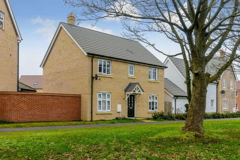 4 Bedrooms Detached House for sale in Acacia Close, Red Lodge, IP28