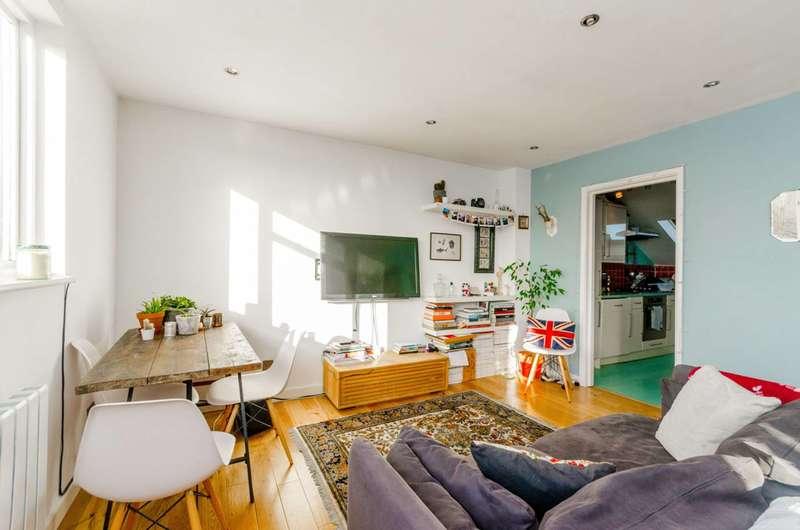 1 Bedroom Flat for sale in Turle Road, Stroud Green, N4