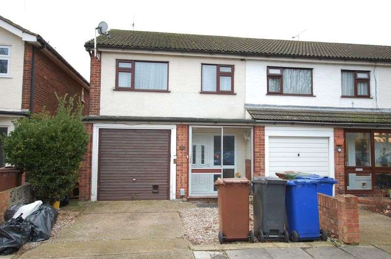 3 Bedrooms Property for sale in Grays
